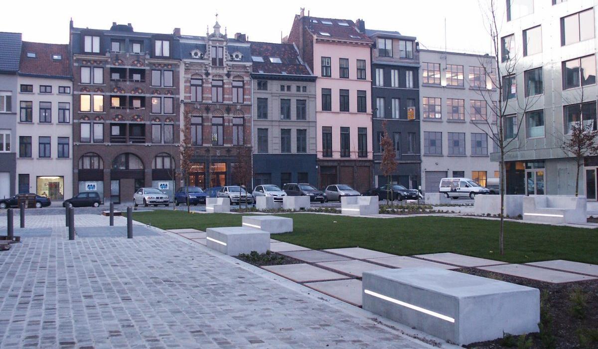 LED benches and slabs, Kattendijkdok, Anvers