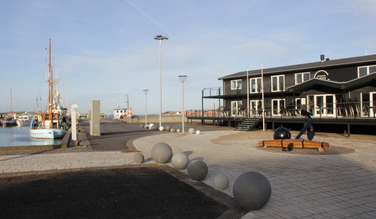 Port end of Lemvig, Round bollards