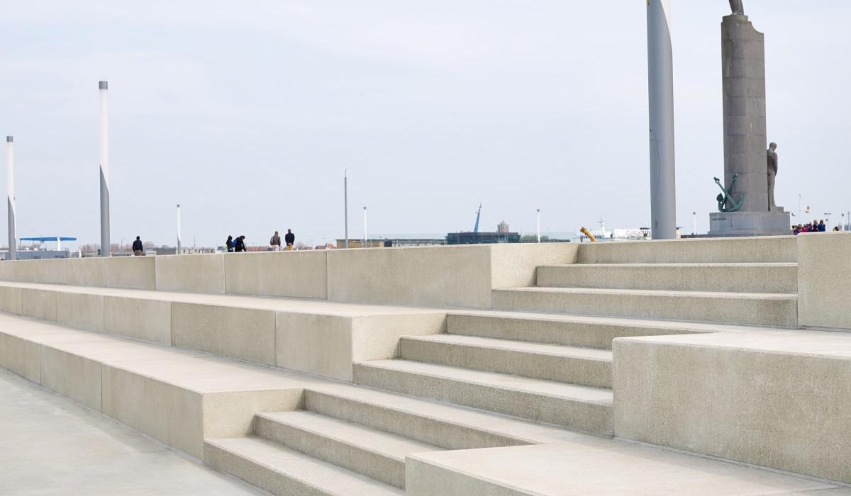 Ostende Zeeheldenplein marches