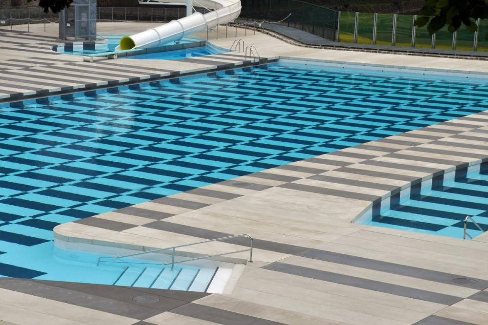 Fasonado large size casted slabs urbastyle for Piscine ypres