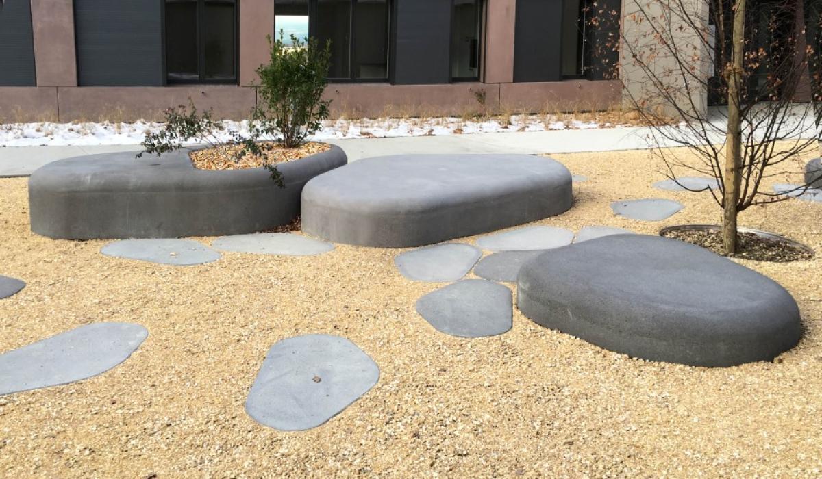 Nuton pebbles
