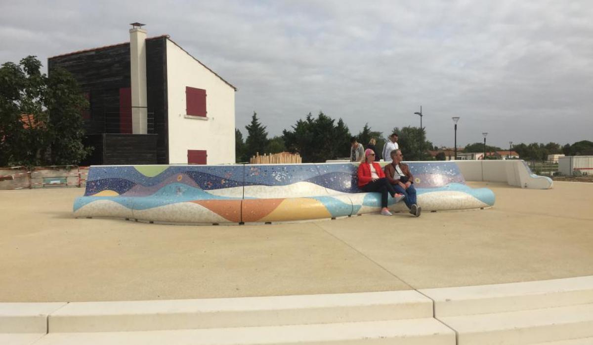 Les boucholeurs - Mosaic benches