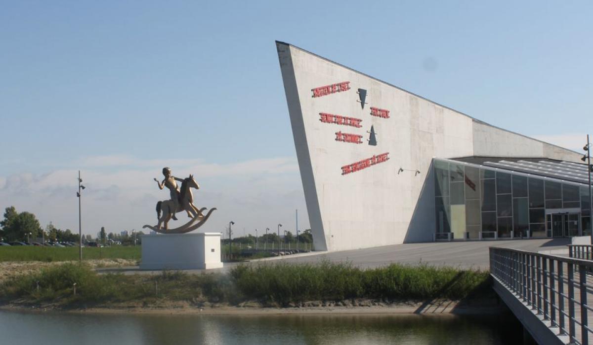 Pedestal Museum of Modern Art, Arken, Denmark