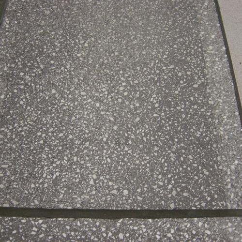 Brussels airport platform edge tiling