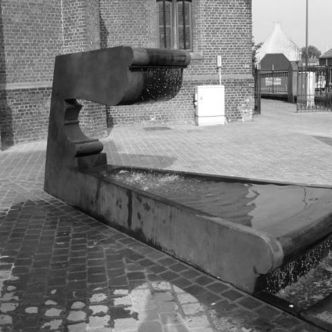 Markt Ruddervoorde Fountain